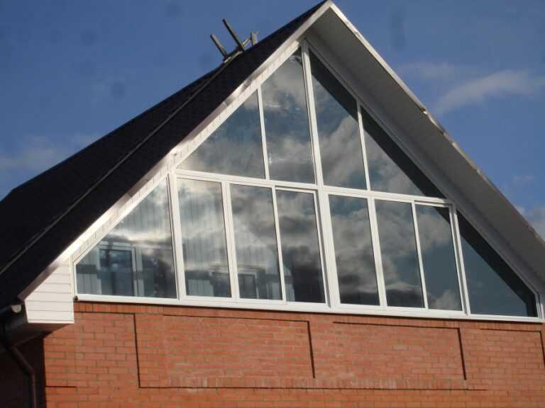Треугольные окна в дом