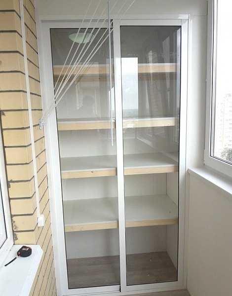 Отделка балкона с шкафом